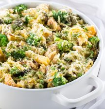 Chicken and broccoli pasta bake with cheesy almond crust