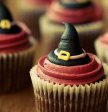Cupcakes, cupcakes, everywhere, but don't even think about eating them