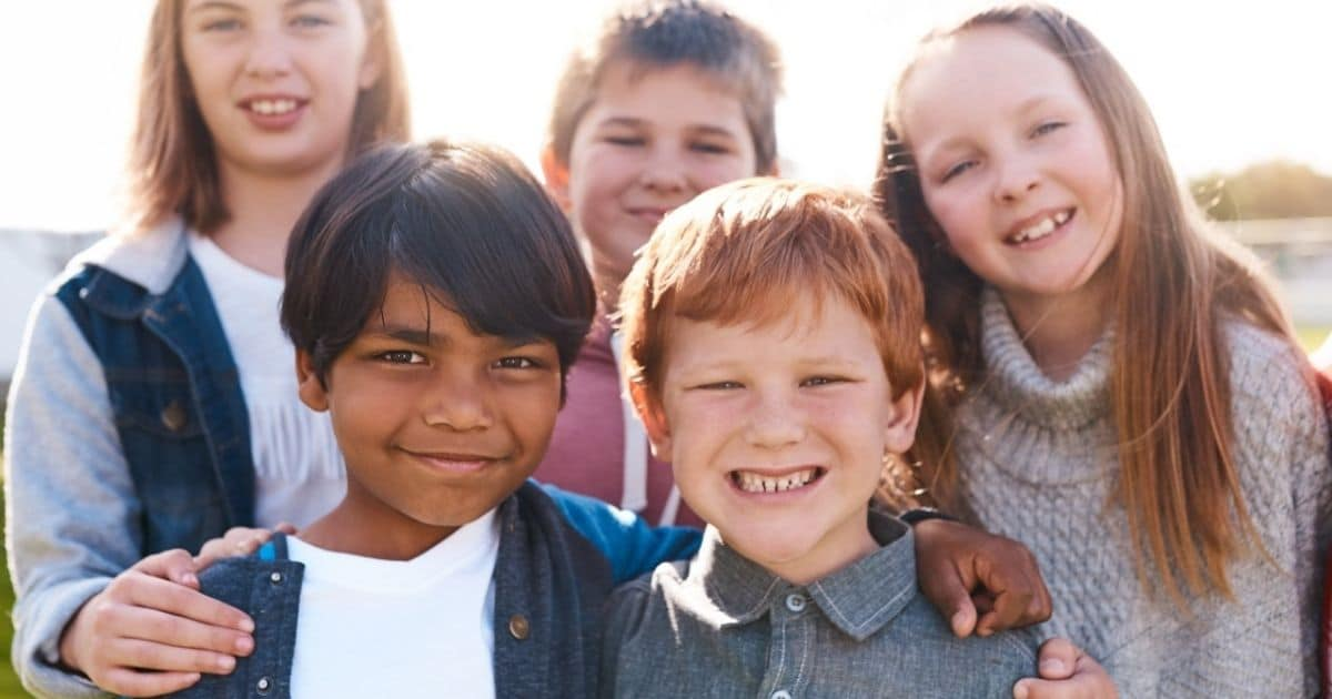 image of kids illustrating sight and short sightedness.